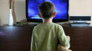 Kindersendung - Kinder beim Fernsehen schauen - wie viel ist in Ordnung?