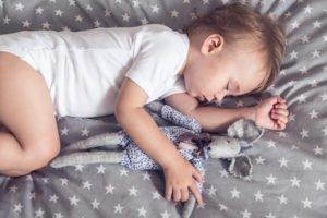 Schlafen im Elternbett © mallmo