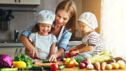 Kochen mit Kindern fotolia @ JenkoAtaman